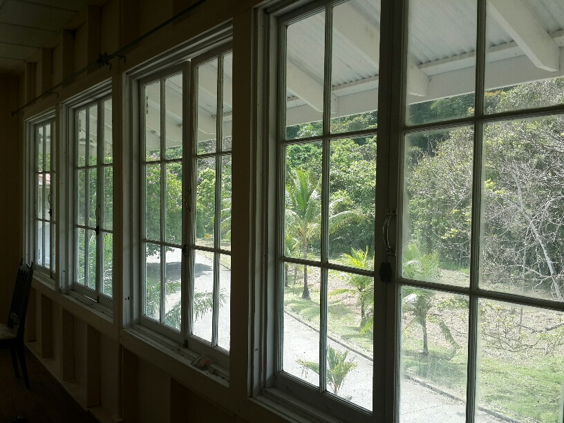 Beautiful tropical views from a Gamboa house, Gamboa rooms & apartments to rent. 268 BL Morrow