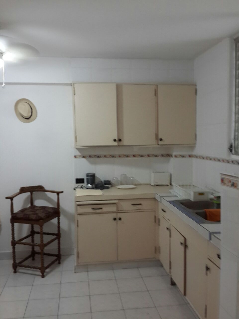 Hotels El Cangrejo walking distance from Spanish Panama For accommodation options we have efficiency suites though availability is very limited. Cost is $775.00 for 4 weeks and includes A/C , WIFI and electricity. For 2 weeks it is $500.00.